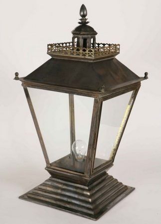 Chateau Medium Victorian Brass Outdoor Gate Pillar Lantern