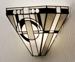 Metropolitan Tiffany Art Deco Style Wall Light