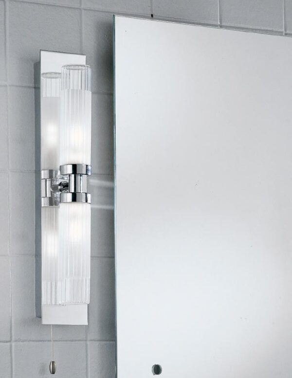 Quality 2 Lamp Switched Bathroom Wall Light Chrome Ribbed Glass IP44