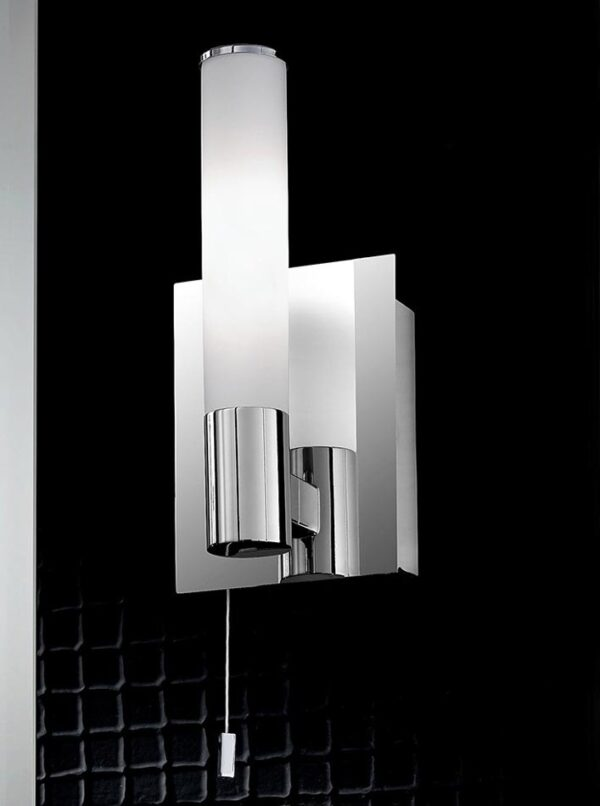 Quality 1 Lamp Switched Bathroom Wall Light Chrome Opal Glass IP44